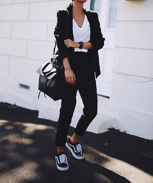 Winter Outfits In Black And White Just Trendy Girls
