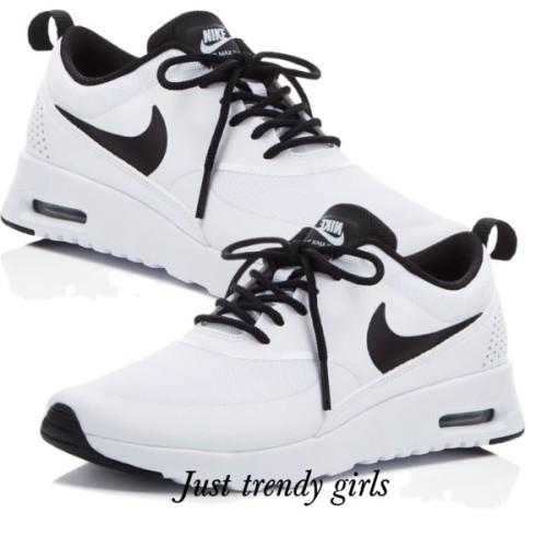nike white running shoes,