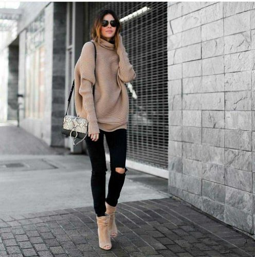 beige-chunky-sweater-outfit