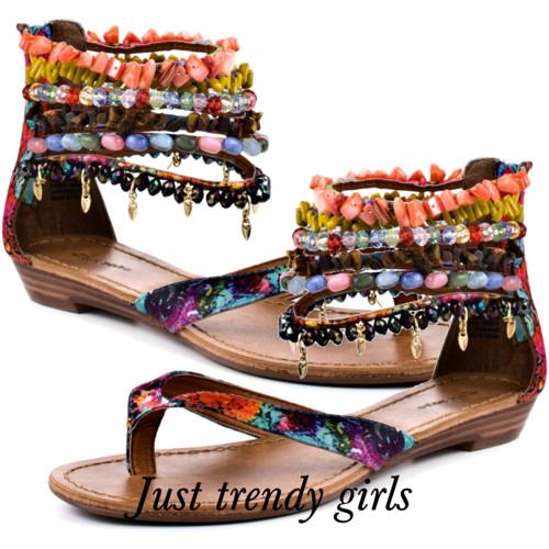 sandals.with beads s