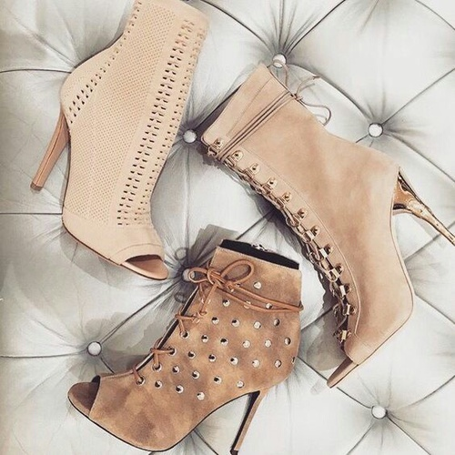 nude peep toe high heel shoes