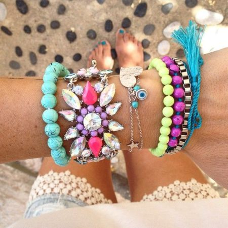 Color blocked Beaded bracelets