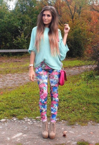 how to wear floral pants 10 s