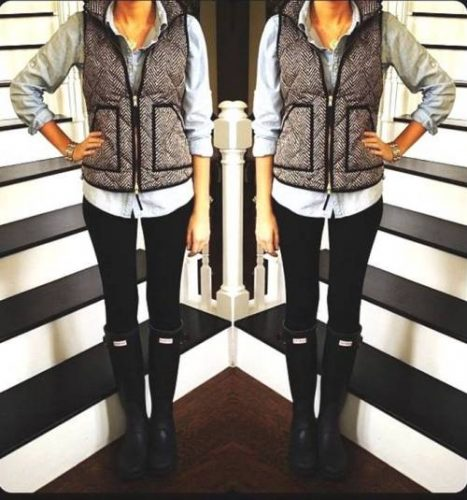 grey-jcrew-vest-with-hunter-boots