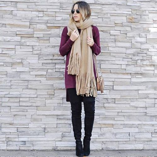 maroon-sweater-with-beige-chunky-scarf