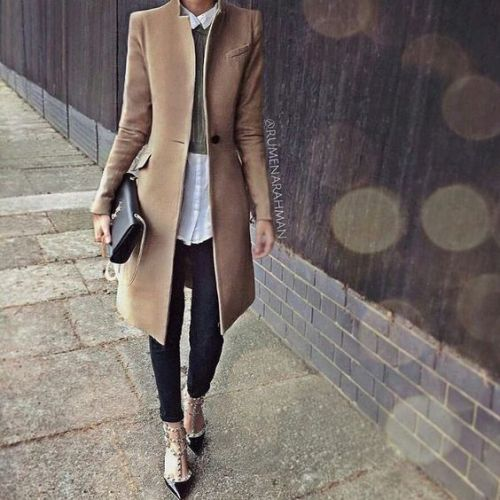 elegant-winter-hijab-with-beige-coat