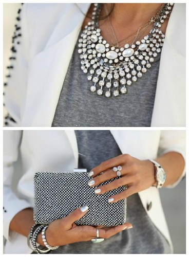 how to wear a statement necklaces