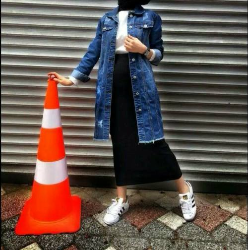 8dc35d9843 oversize jean jacket with pencil skirt with hijab – Just Trendy Girls
