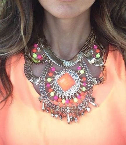 Color blocked Beaded Necklace