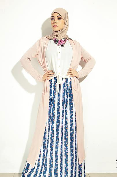 pastel long cardigan outfit