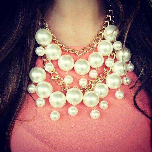 pearls necklace,
