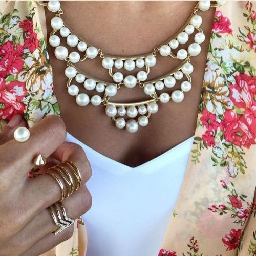 pearls statement necklace