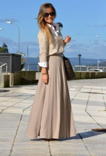 caffee maxi skirt with sweater