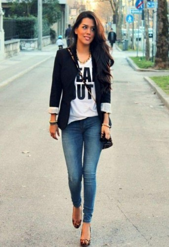 casual black blazer outfit