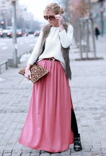 pink maxi skirt with white sweater