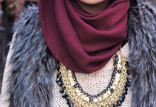 How to wear statement necklace with hijab