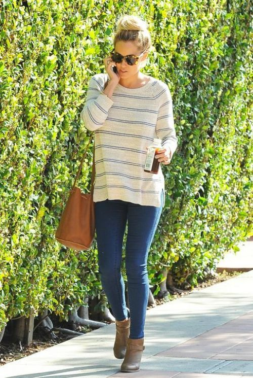 striped casual tee outfit