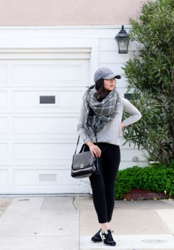 sporty casual chunky scarf