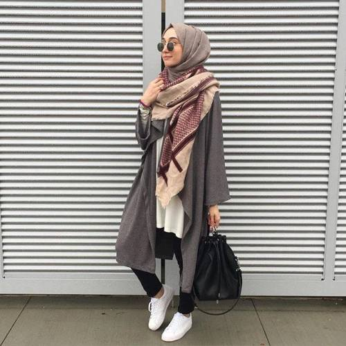 sporty hijab chic style