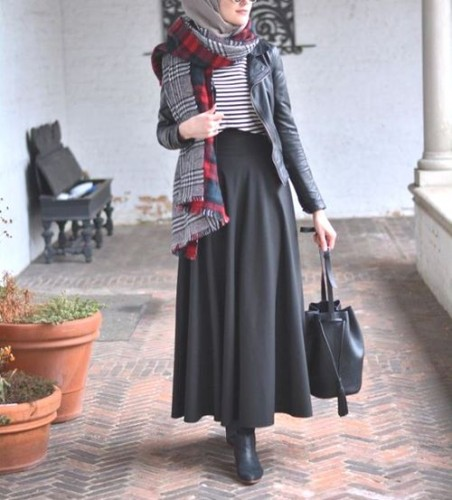 Hijab chic from the street u2013 Just Trendy Girls