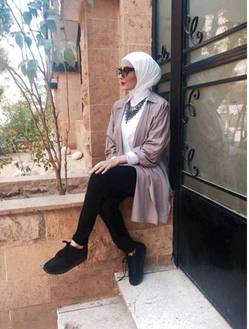 neutral hijab summer look
