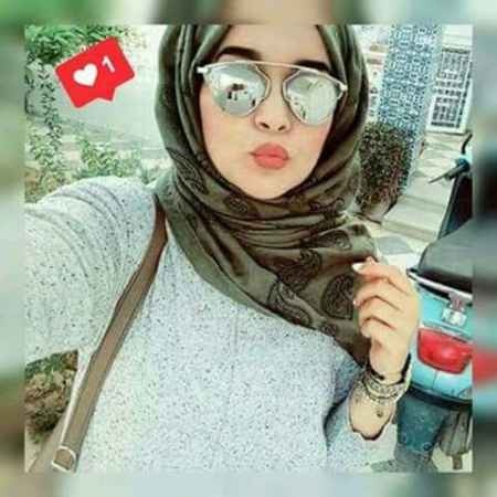 cute-hijabista-with-mirron-sunnies