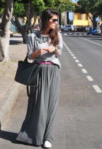 gray maxi skirt with white shoes
