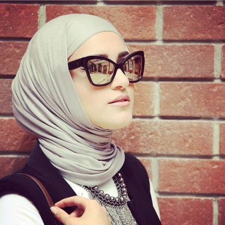 gray mirror sunnies with hijab