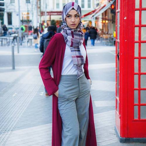 Maxi cardigan in burgundy paired with plaid hijab.