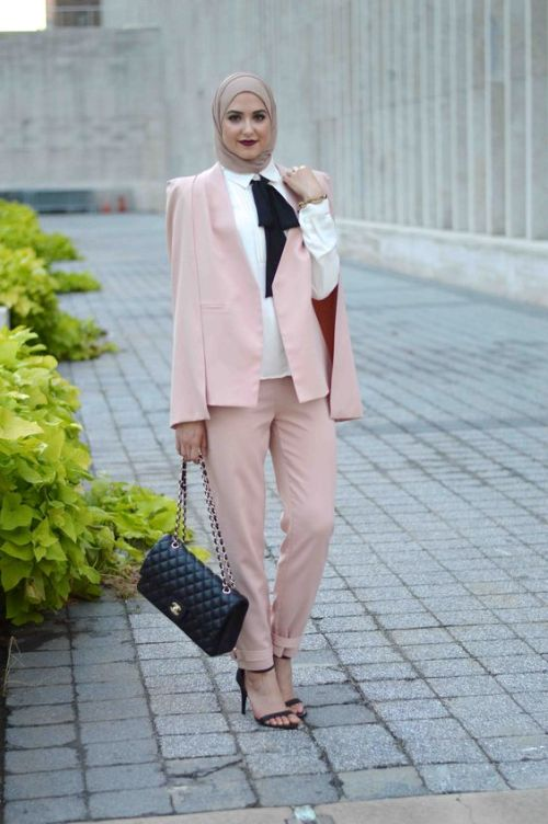 blush pink hijab suit