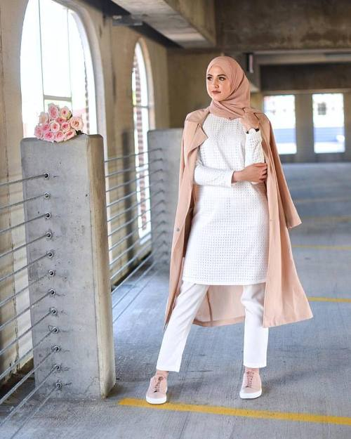 blush pink trench coat outfit