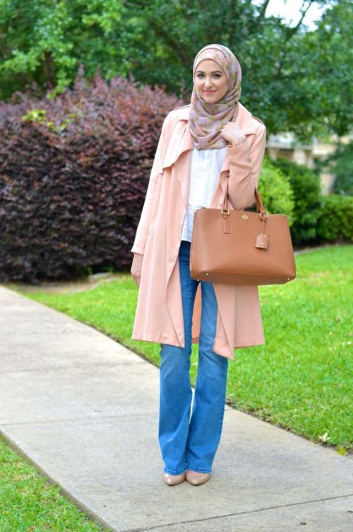 peach trench coat outfit