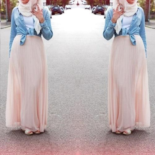 pleated pink maxi skirt denim shirt