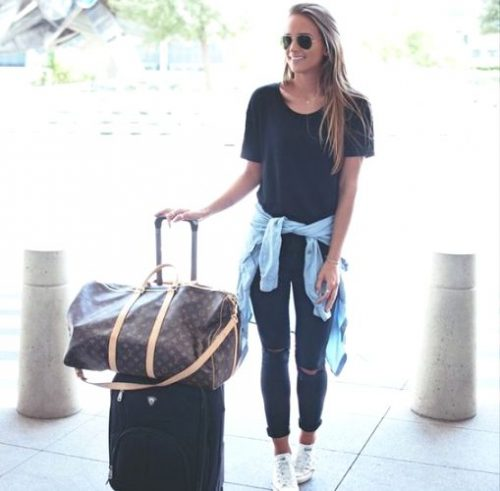 simple casual travel style