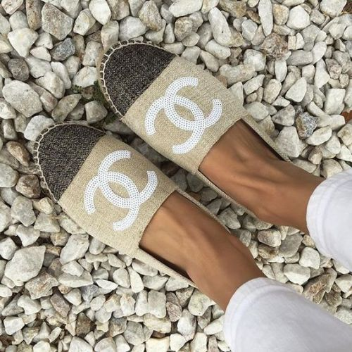 neutral chanel slip on