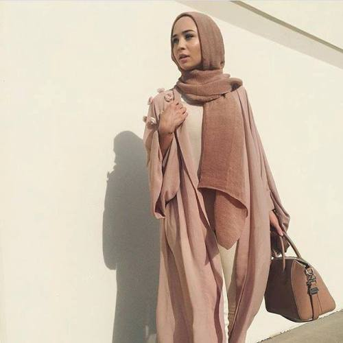 neutral nudes abaya fashion
