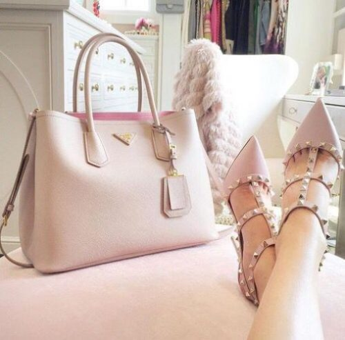 blush Valentino pumps