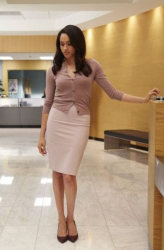 blush pencil skirt outfit