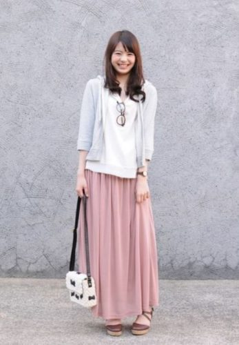 blush pink maxi skirt outfit