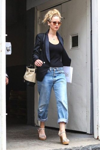 boyfriend jeans with black blazer