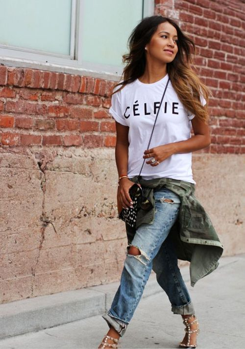 boyfriend jeans with t-shirt