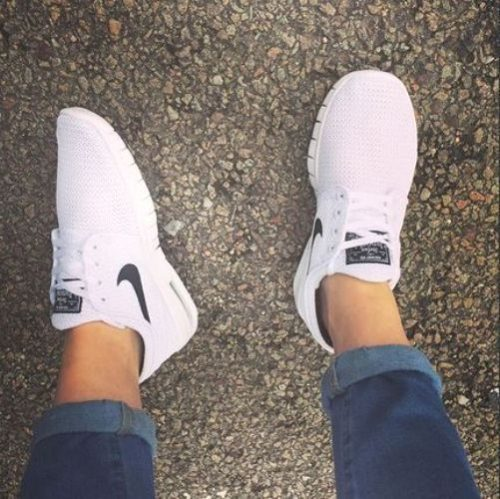 nike white running shoes