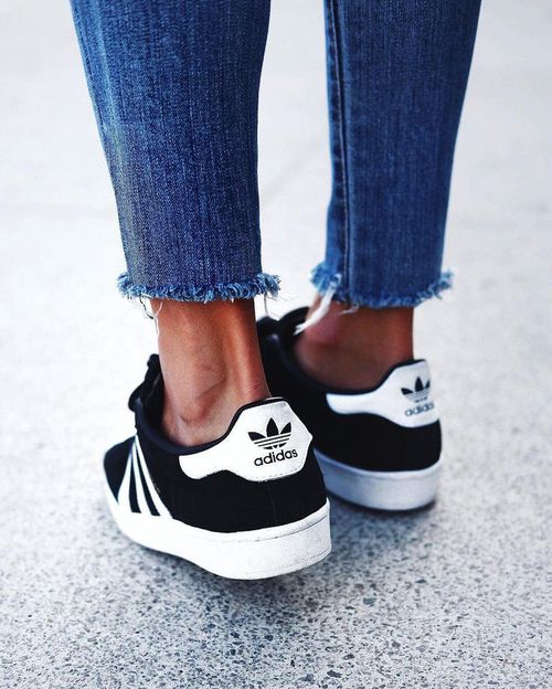 adidas black super star