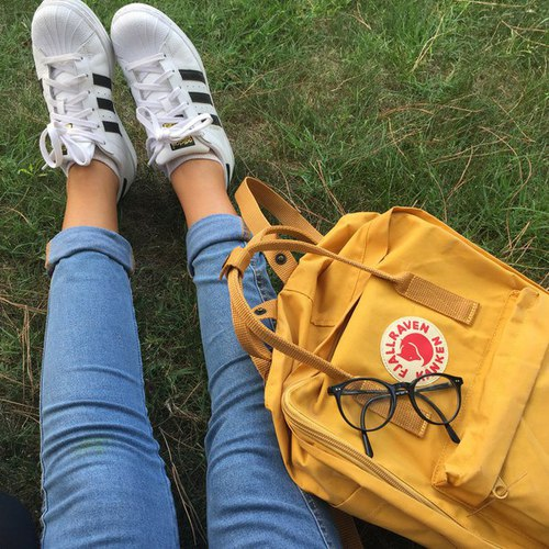 adidas with yellow bag