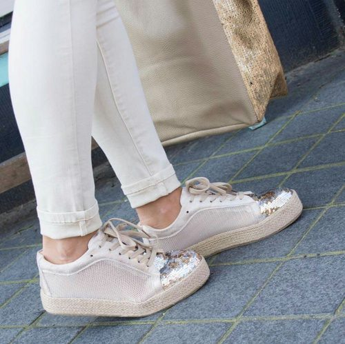 amazing white shoes