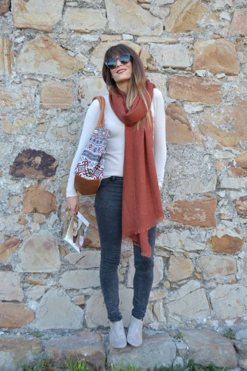 long maroon scarf