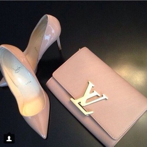 louis vuitton blush pump