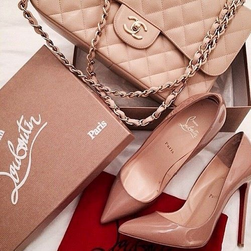 nude pump nude chanel bag