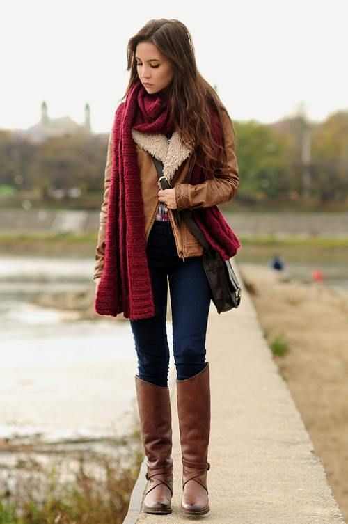 burgandy-knit-scart-outfit