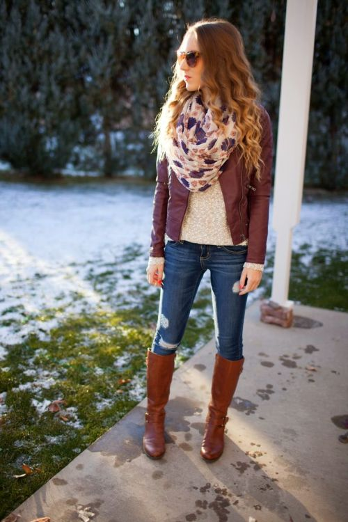 burgandy-leather-jacket-outfit
